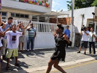 Globo acompanha Ester Freitas em Campos