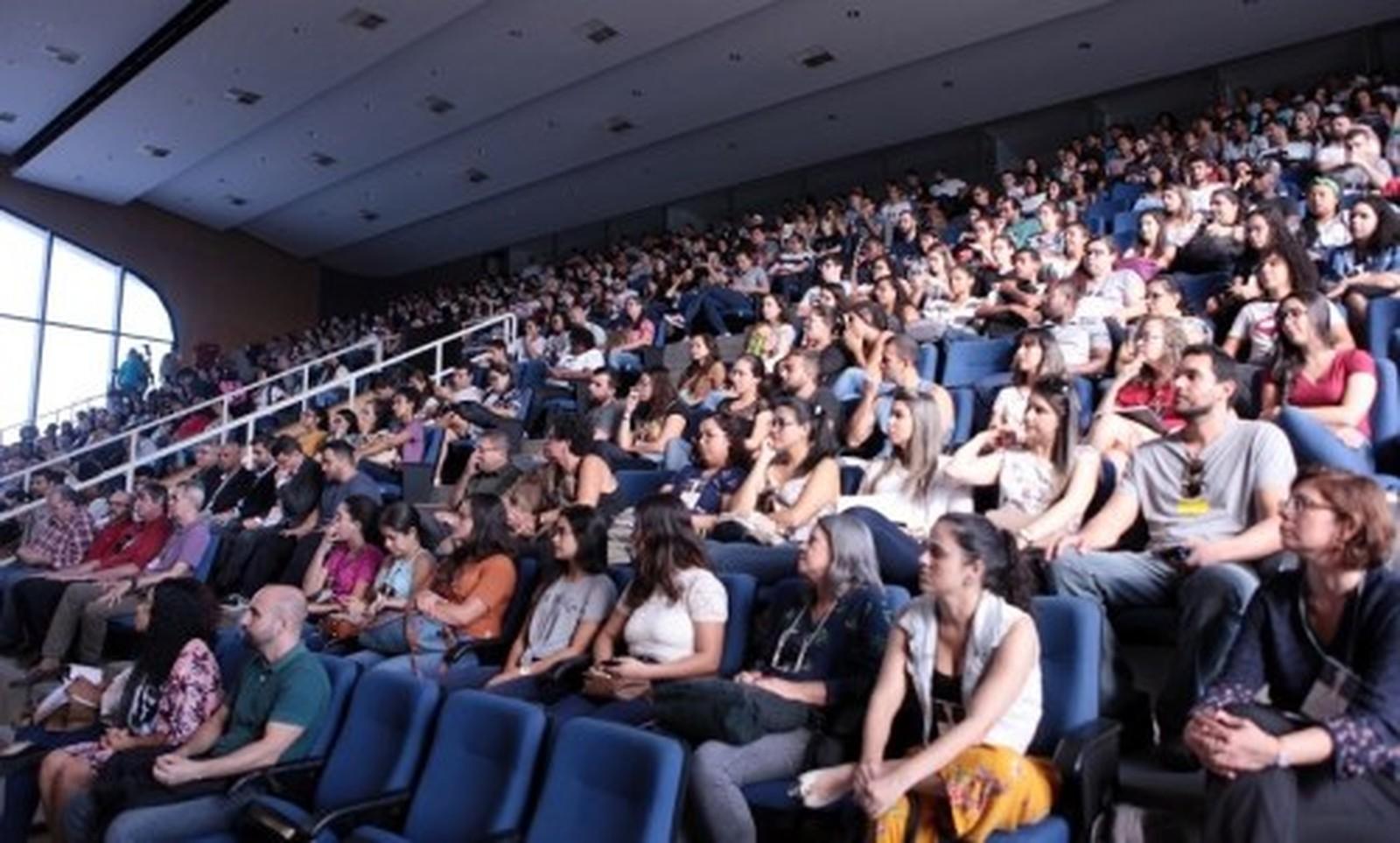 Congresso de iniciação científica e tecnológica é realizado até sexta na Uenf, em Campos, no RJ