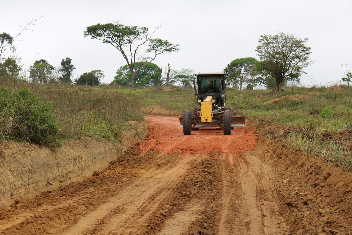 Novos maquinários para intensificar manutenção de estradas no município