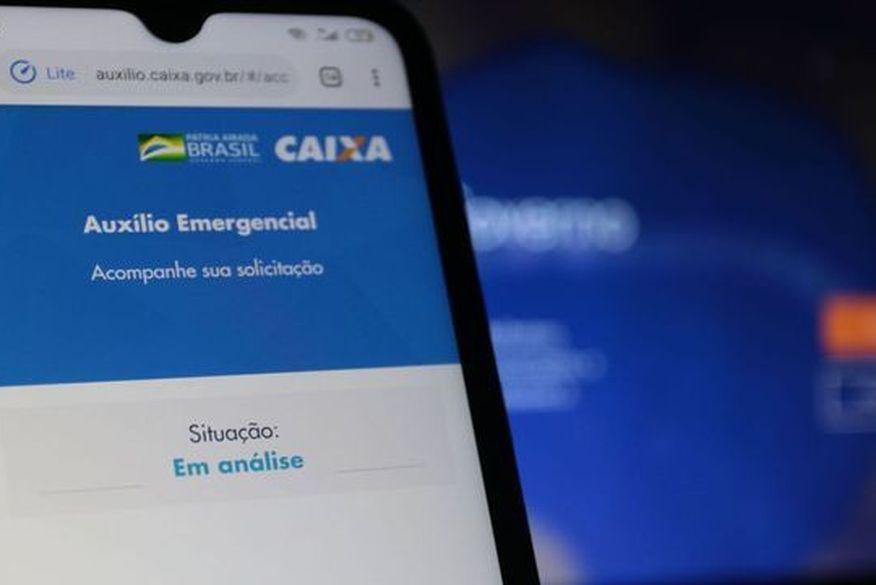 Bolsonaro diz que vetará extensão do auxílio emergencial se Congresso fixar valor em R$ 600