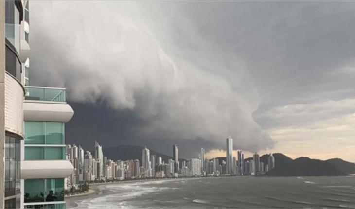 Atenção:Reflexos de ciclone bomba causam ventos fortes em RJ, SC e SP nesta quarta
