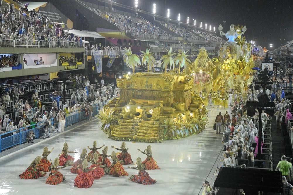 Indefinição sobre o carnaval 2021 do Rio faz Viradouro anunciar demissão de funcionários