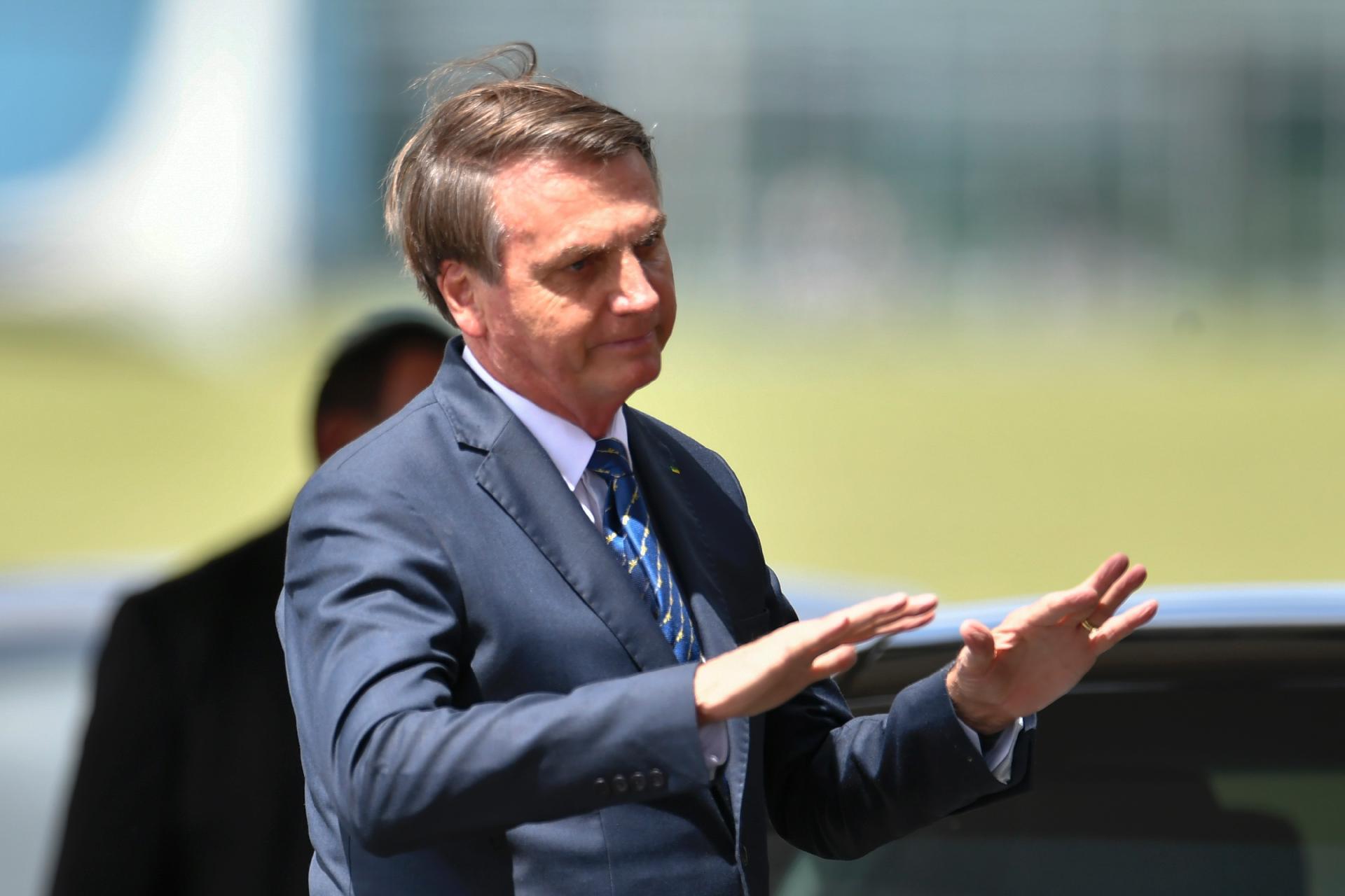 Bolsonaro apela a comerciantes a fim de conter preço do arroz; para ministra, produto 'não vai faltar'