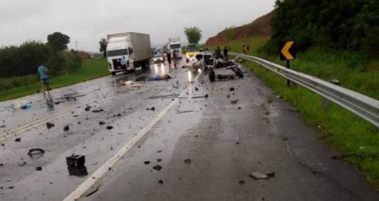 Quatro mortos em acidente na BR 101