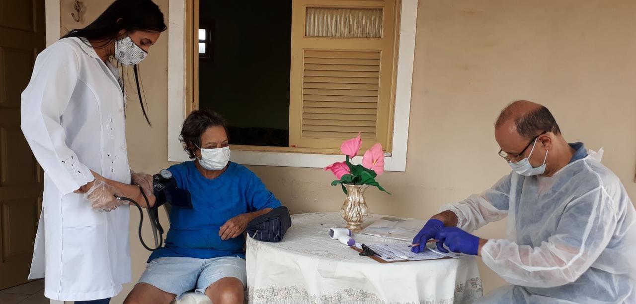 Médico em casa para idosos do Centro de Convivência nesta terça (22) em mais 4 localidades