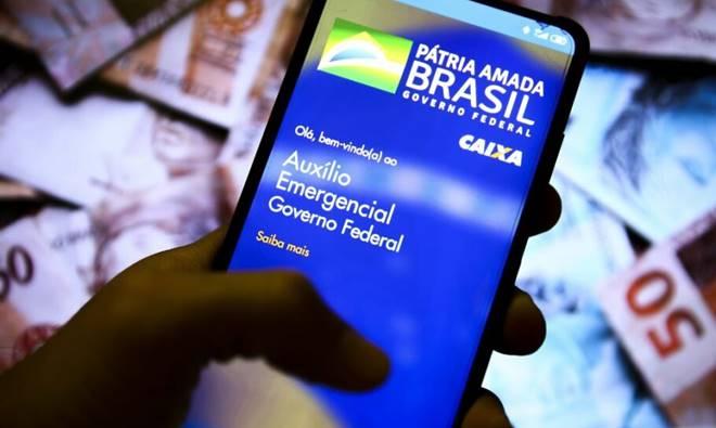 Auxílio Emergencial: beneficiários que começaram a receber após abril terão direito a menos parcelas de R$ 300