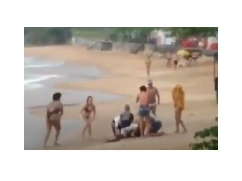 Criança morre após ser atingida por raio em praia de Rio das Ostras