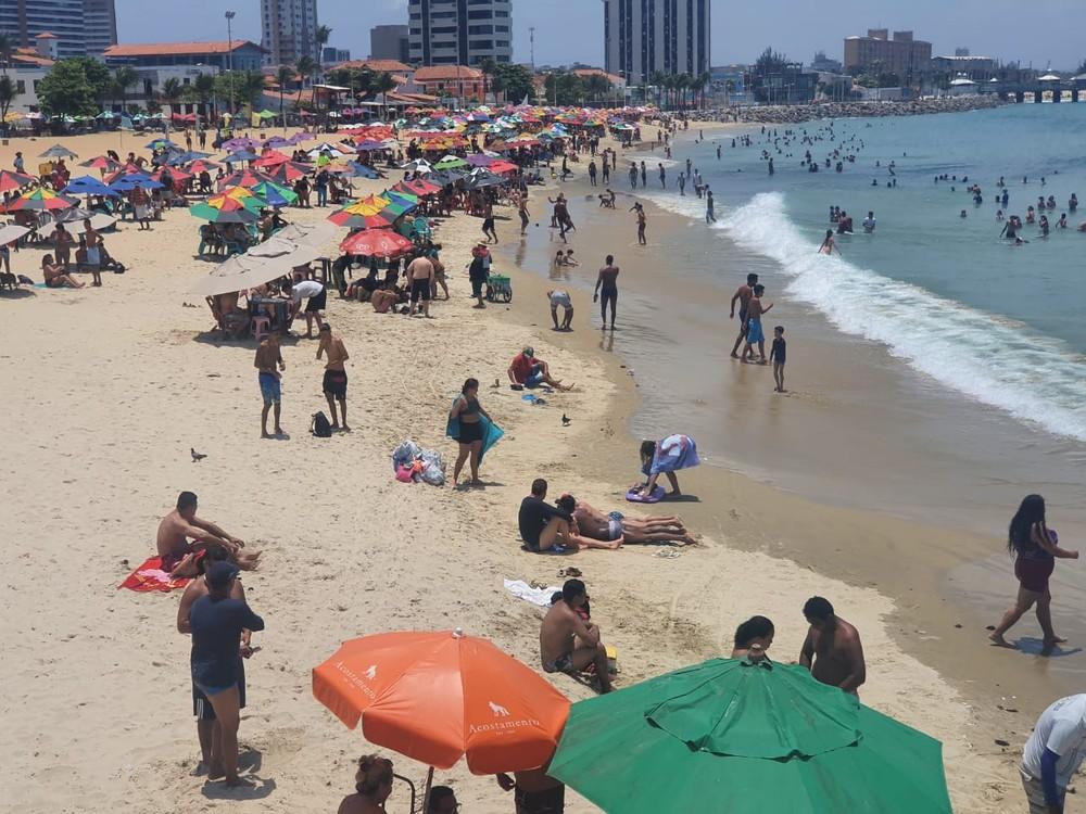 Praias ficam lotadas no feriado de Nossa Senhora Aparecida