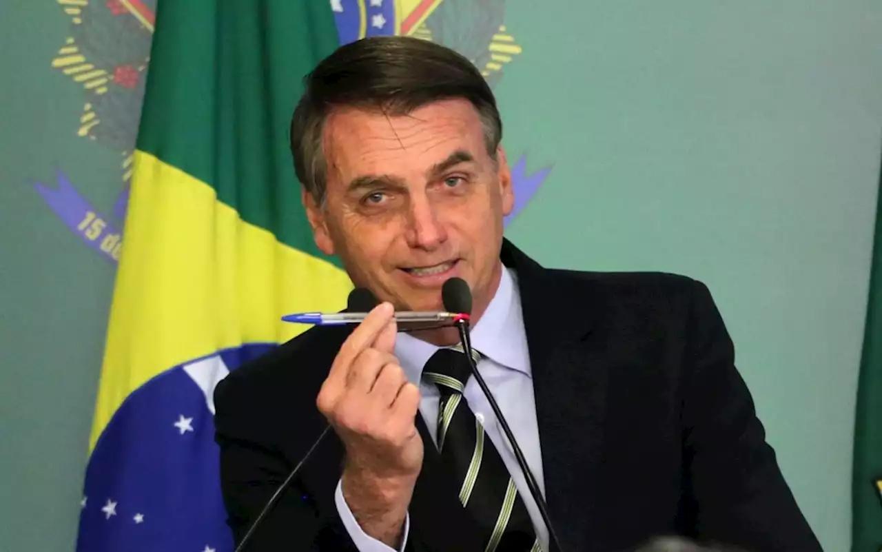 Bolsonaro diz que vai assinar MP com salário mínimo de R$ 1.100 em 2021