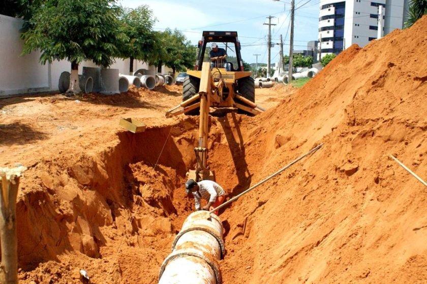 Bolsonaro assina decreto que regulamenta novo marco do saneamento básico