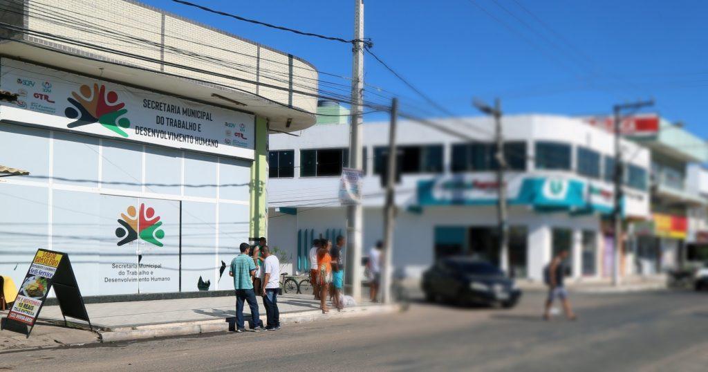 Balcão de Emprego com vaga para farmácia