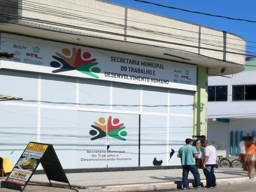 Prefeitura auxilia trabalhadores para ter acesso à Carteira de Trabalho Digital