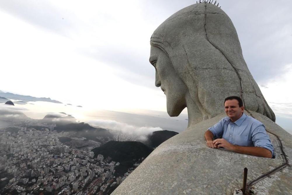 Paes toma posse pela 3ª vez e diz que priorizará a economia e o combate à corrupção: 'A cidade nos exige pressa'