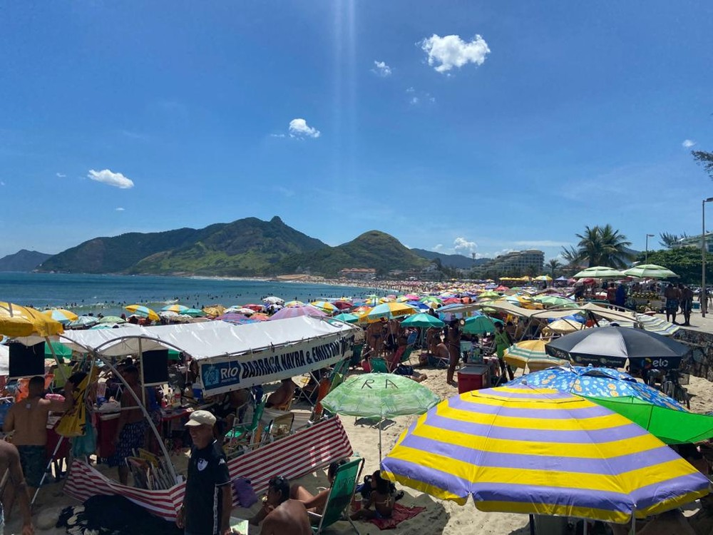 Áreas de lazer da orla do Rio são reabertas neste domingo, mesmo com casos de Covid-19 em alta