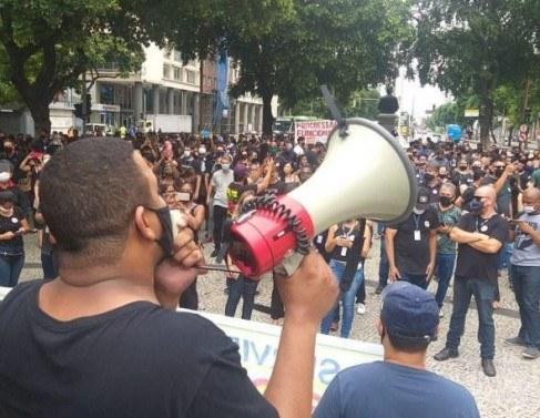 Funcionários do Detran entram em greve em todo o estado do RJ