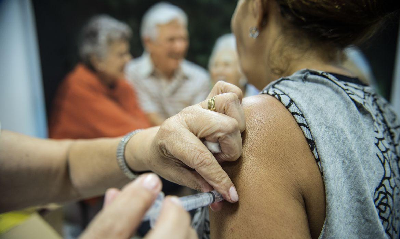 SFI inicia vacinação contra Covid-19 em moradores entre 80 e 89 anos