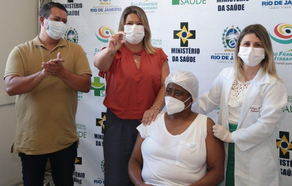 SFI prossegue com vacinação contra Covid-19 em moradores com mais de 90 anos