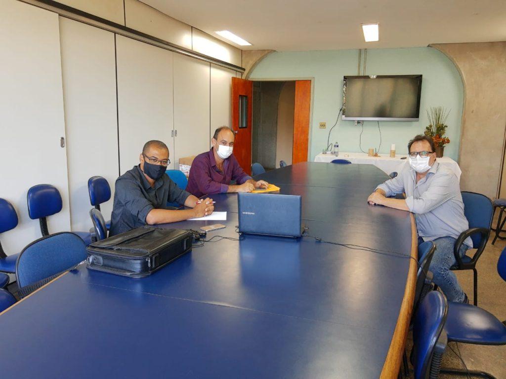Cooperação técnica é pauta de reunião entre secretaria de Agricultura e Uenf