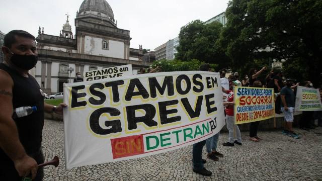 Servidores do Detran-RJ estão em greve; veja quais serviços funcionam
