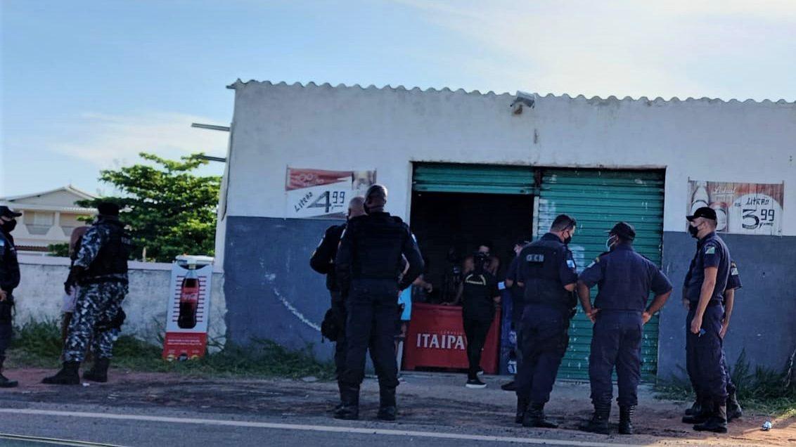Medidas restritivas da prefeitura com apoio da população e comerciantes evitam aglomerações em SFI
