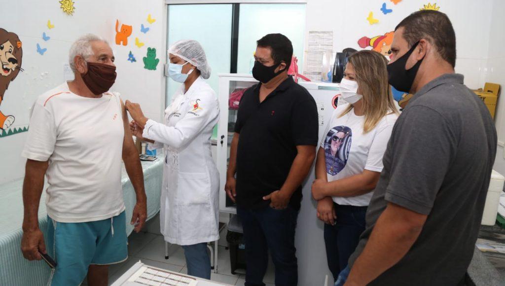 Prefeitura inicia vacinação contra Covid-19 em novos polos