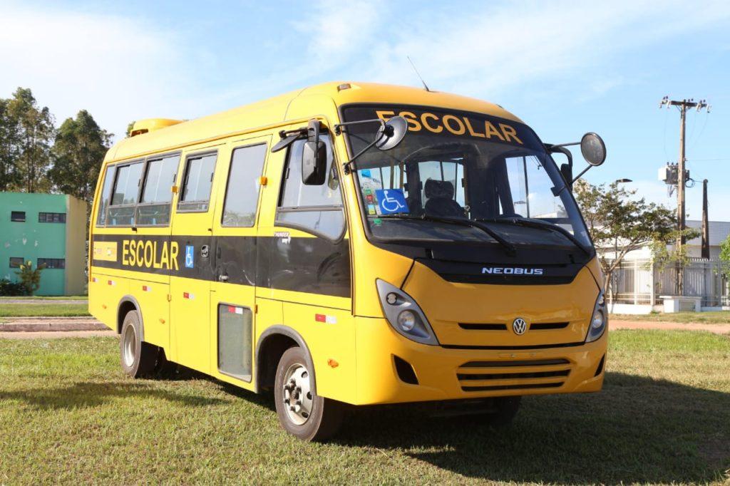 Mais dois ônibus escolares para a Educação de SFI