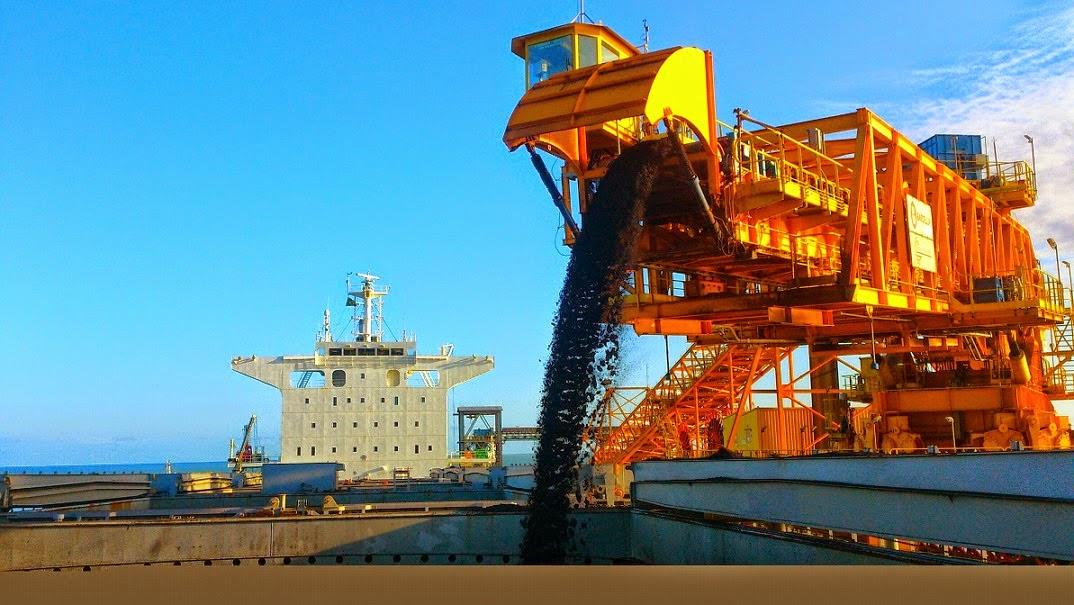 Porto do Açu exporta minério espodumênio pela primeira vez