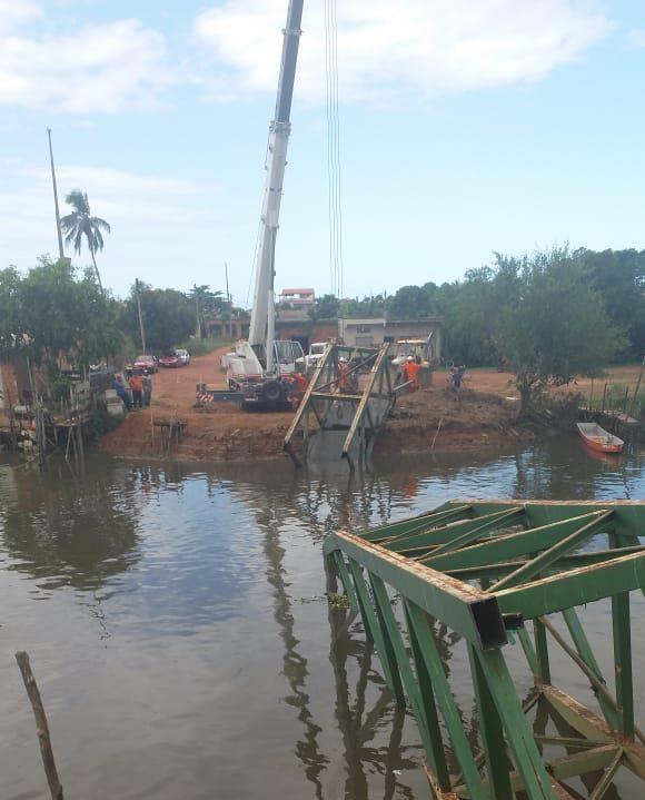 Prefeitura conclui retirada de destroços da passarela de Gargaú