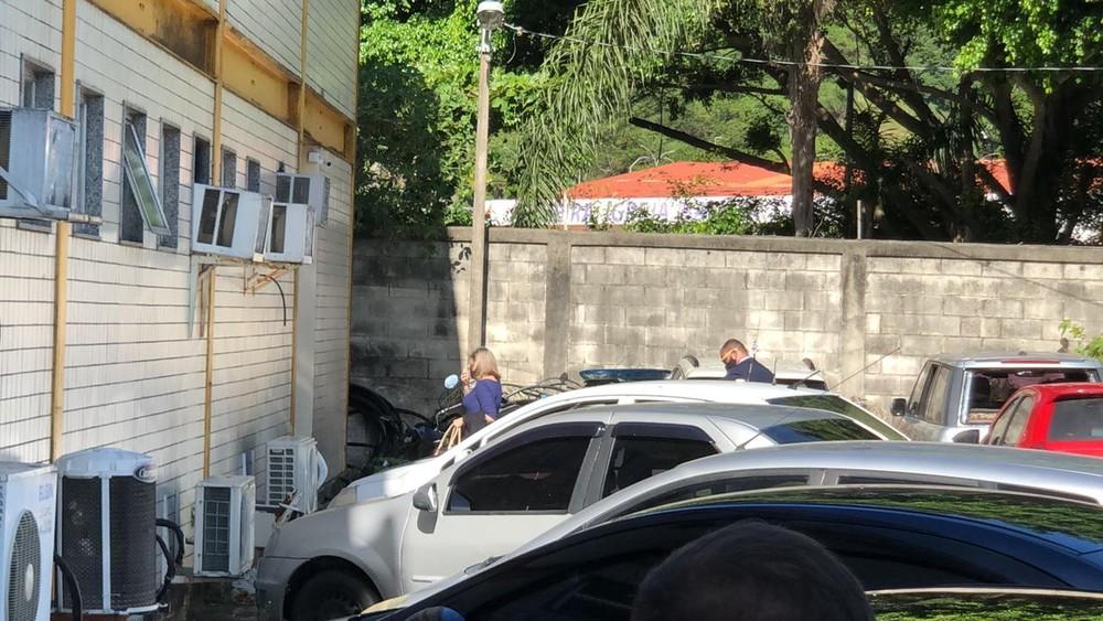 Em novo depoimento, ex do Dr. Jairinho diz que ela e o filho foram agredidos pelo vereador