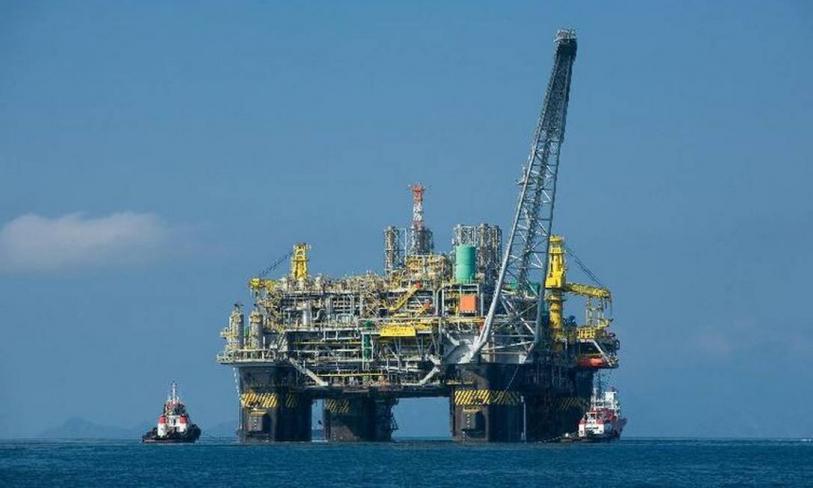 """Petroleiros aprovam """"Greve pela Vida"""" e escala de trabalho de 14×28"""