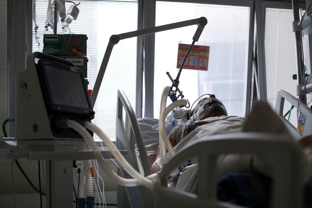 Casa Branca diz que planeja enviar US$ 20 milhões em medicamentos de 'kit intubação' para o Brasil