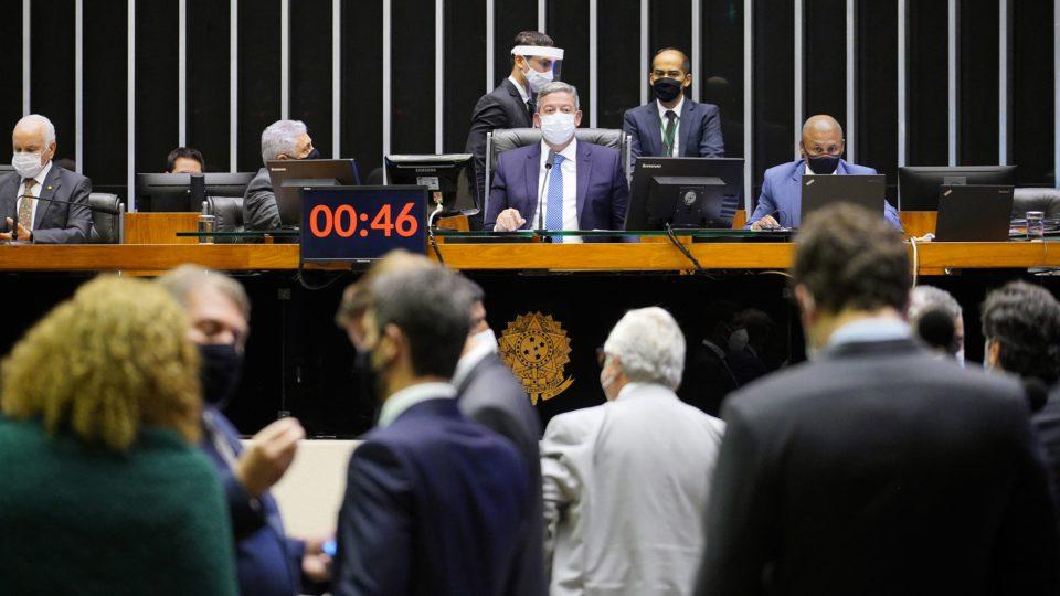 A um dia do prazo, Câmara aprova MP da privatização da Eletrobras; texto segue para sanção