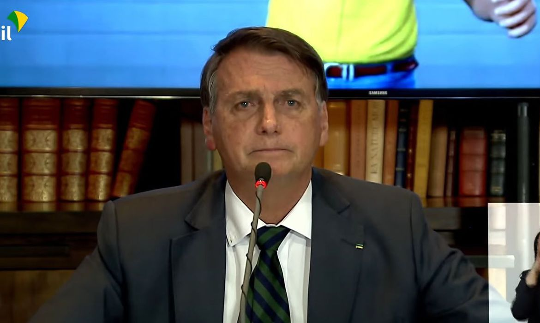 Presidente defende voto impresso nas eleições durante live