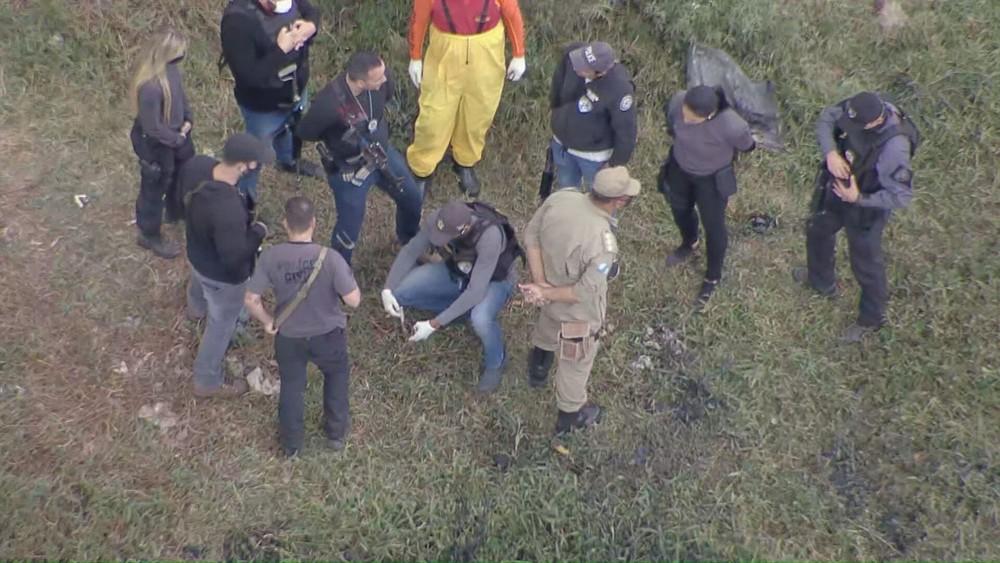 Meninos de Belford Roxo: polícia acha ossada em área onde homem teria deixado corpos