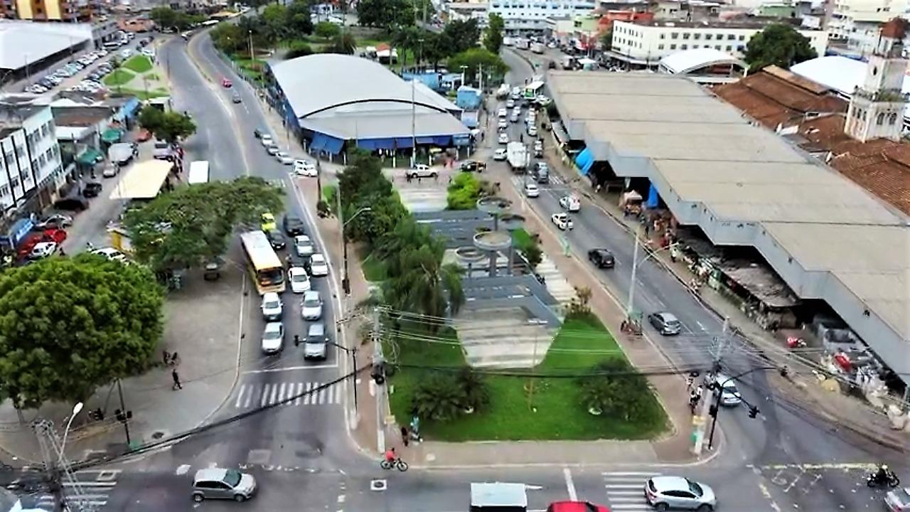Ação no Mercado Municipal de Campos, RJ, ajuda na regularização de trabalhadores da cidade