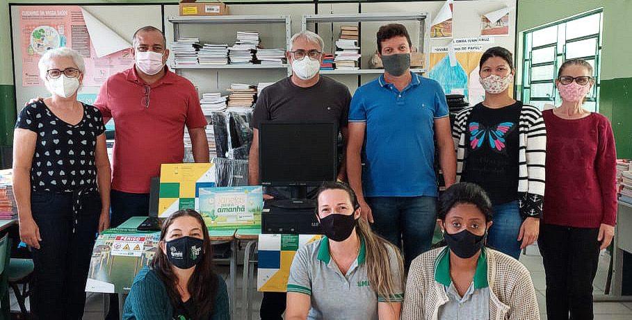 Escolas de SFI recebem computadores doados pela Petrobras