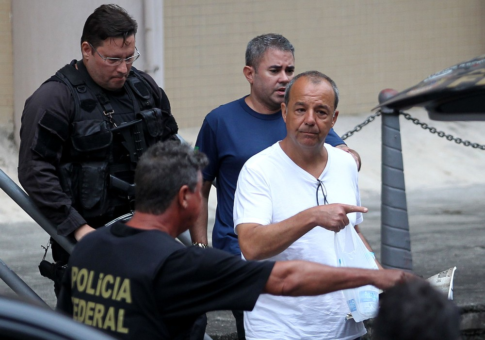 Cabral deixa cadeia em Bangu e é transferido para Unidade Prisional da PM