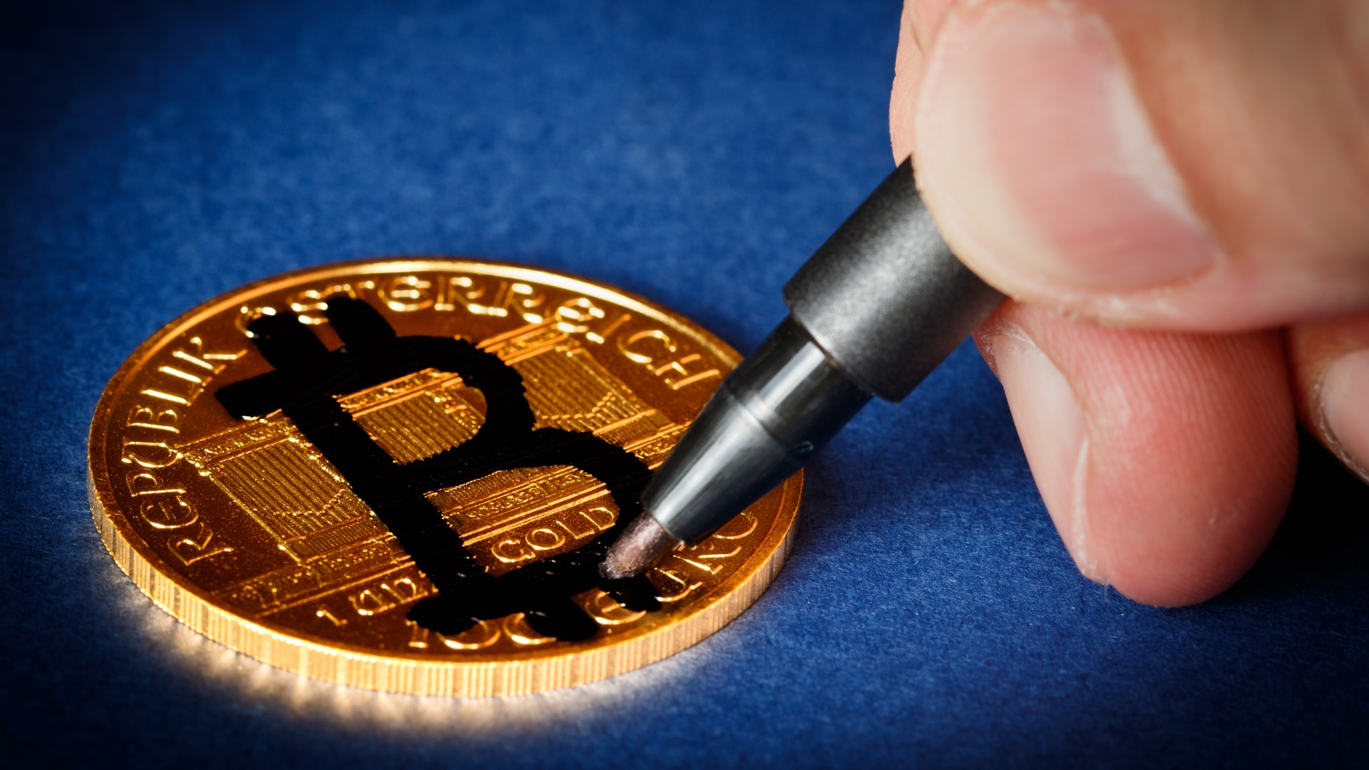 Após ter picanha, linguiça e celulares encontrados em cela, 'Faraó da Bitcoin' fica isolado e monitorado