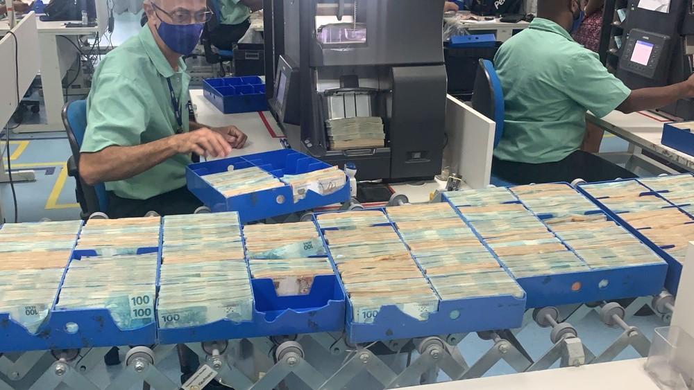 Investidores de Campos, RJ, entram na Justiça contra empresa do 'faraó dos bitcoins' pedindo devolução de dinheiro