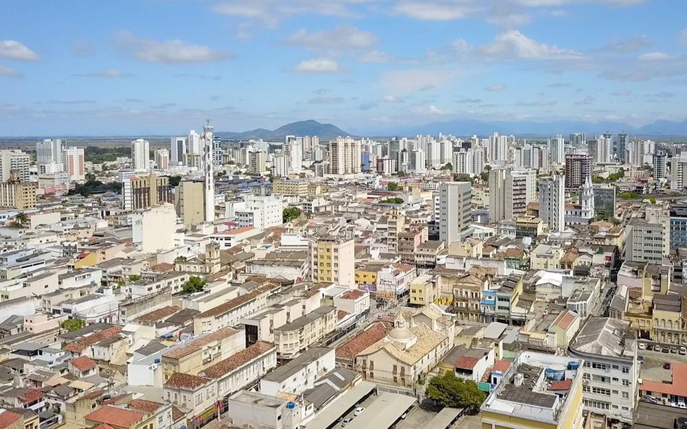 Novo decreto em Campos, RJ, libera eventos para até duas mil pessoas em locais abertos